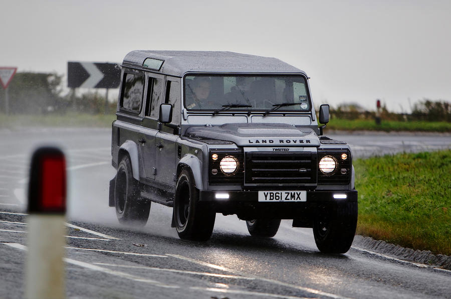 Twisted Defender 110 cornering