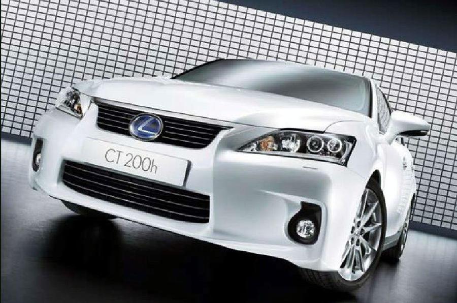 Lexus CT 200h revealed