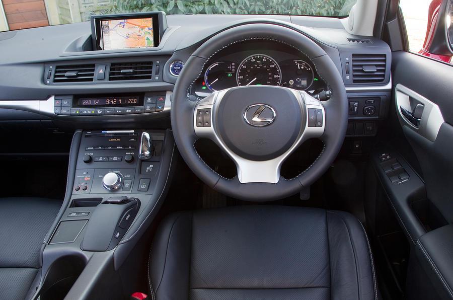 Lexus CT200h dashboard