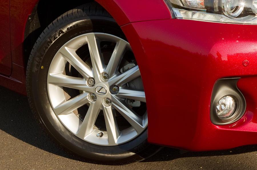 Lexus CT200h alloy wheels