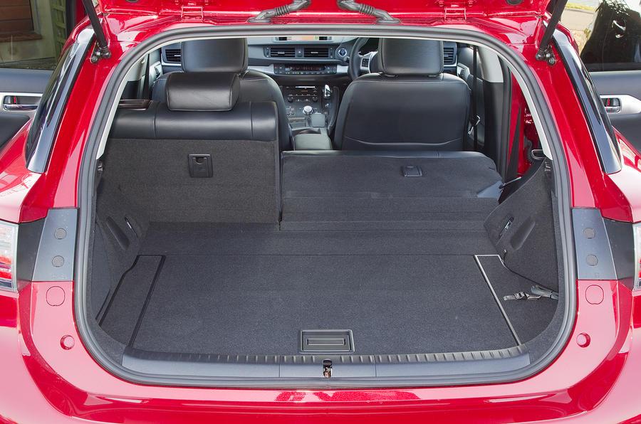 Lexus CT200h boot space