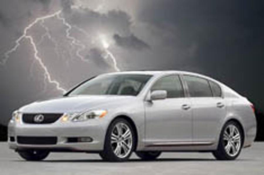 Lexus expands its hybrid range