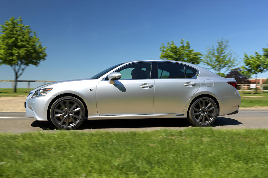 Lexus GS450h side profile