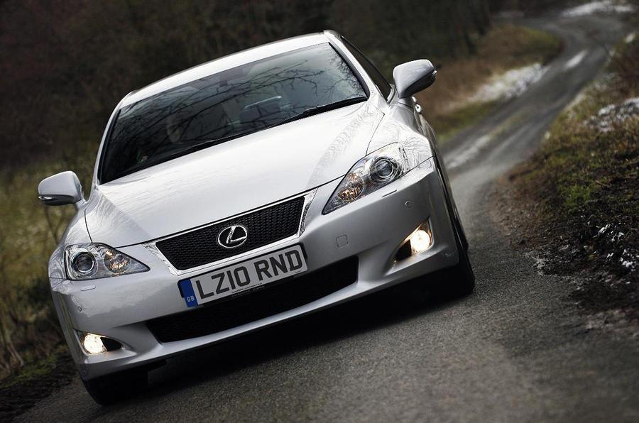 Lexus revises IS range