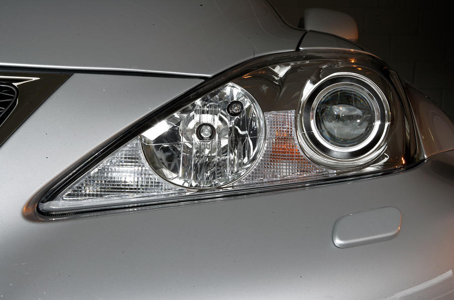 Lexus IS-F bi-xenon headlights