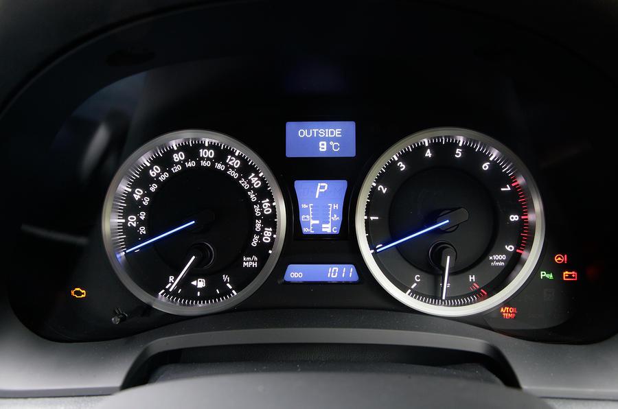 Lexus IS-F instrument cluster