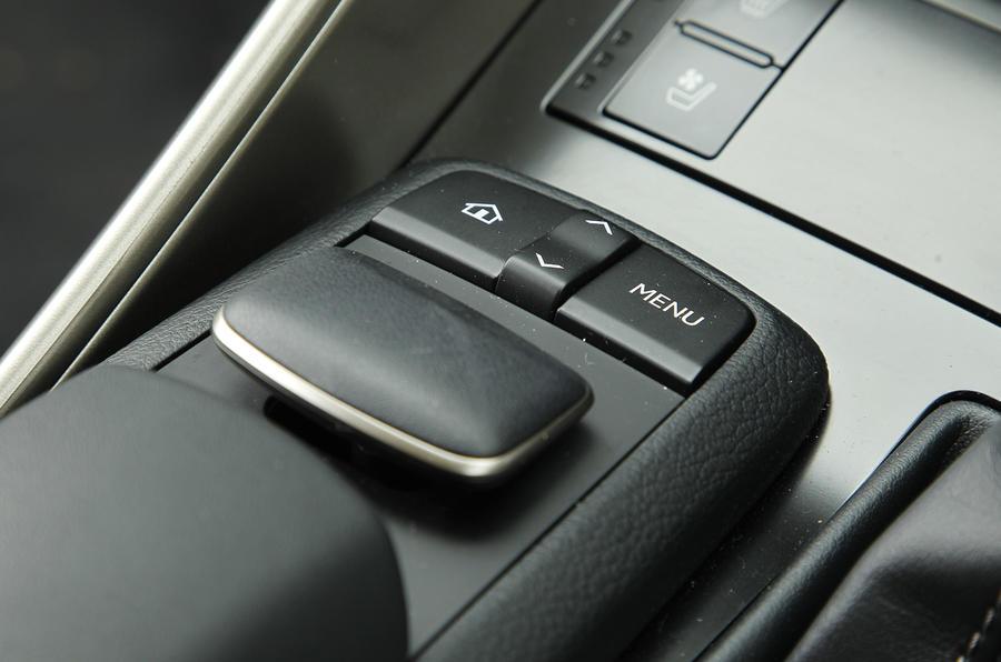 Lexus IS infotainment joystick