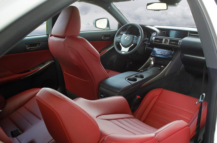 Lexus IS300h interior