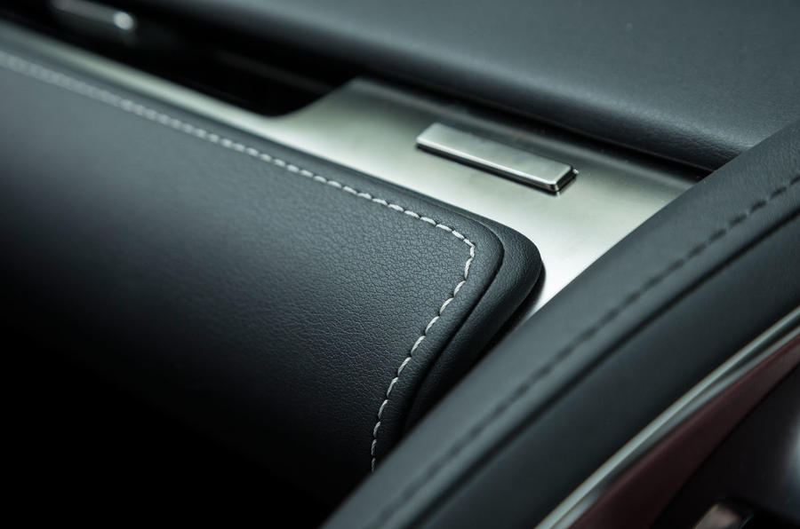 Lexus LC500 glovebox button