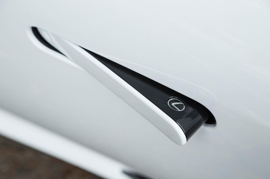 Lexus LC500 pop-out door handle
