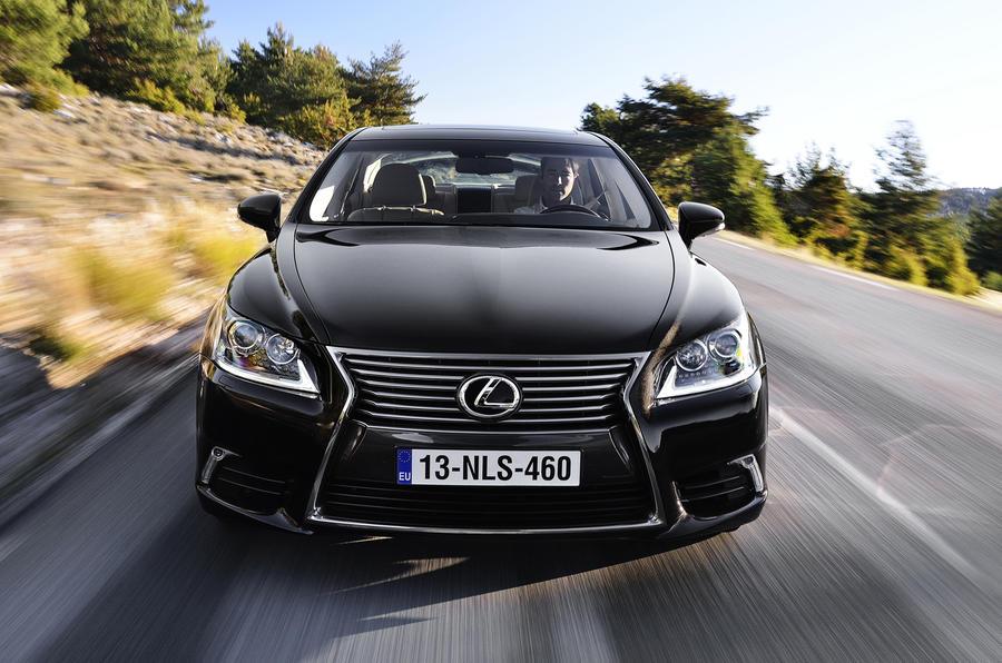 Lexus LS 460 front end