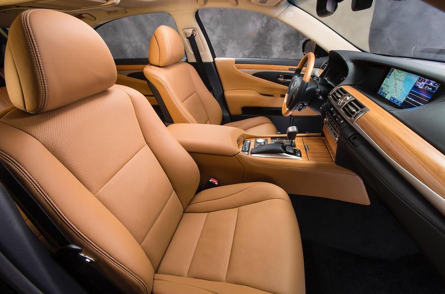 Lexus LS600h interior