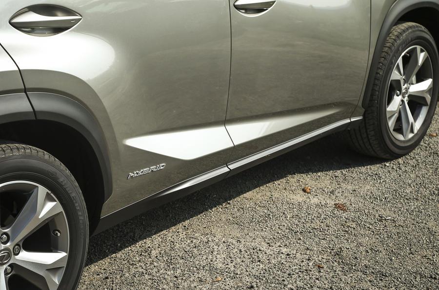 Lexus NX side skirts