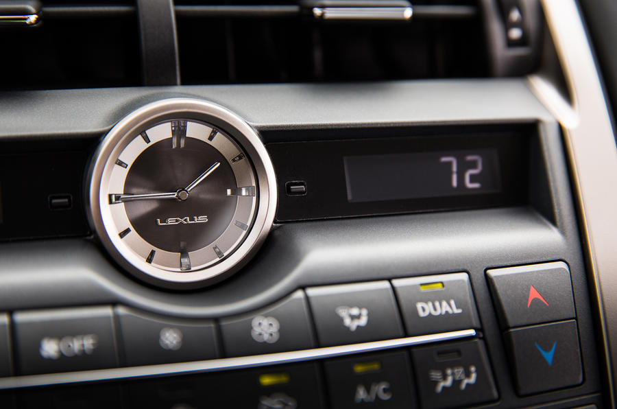 Lexus NX200t F Sport analogue clock