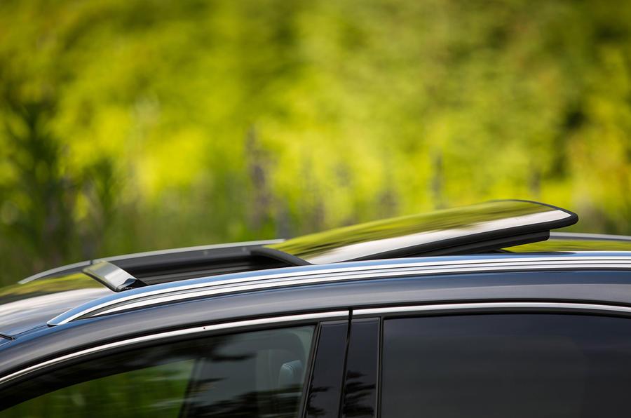 Lexus NX200t F Sport panoramic sunroof
