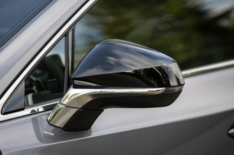 Lexus NX200t F Sport wing mirrors