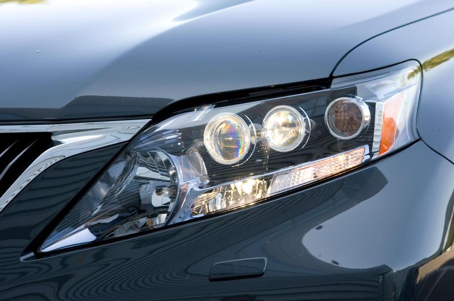 Lexus RX adaptive headlights