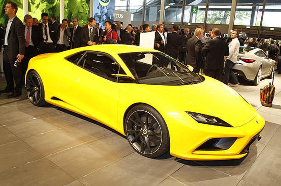 Lotus 'plans to build V8 engine'