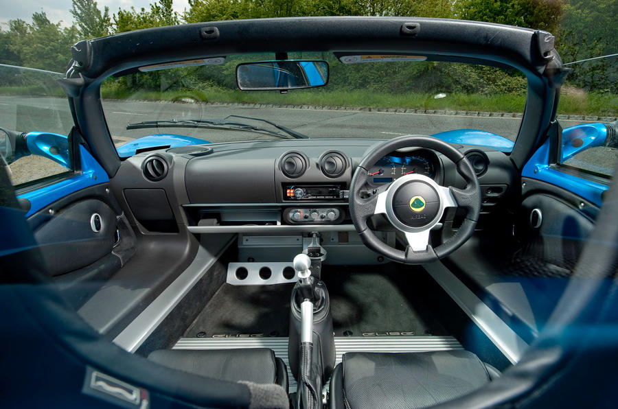 Lotus Elise dashboard