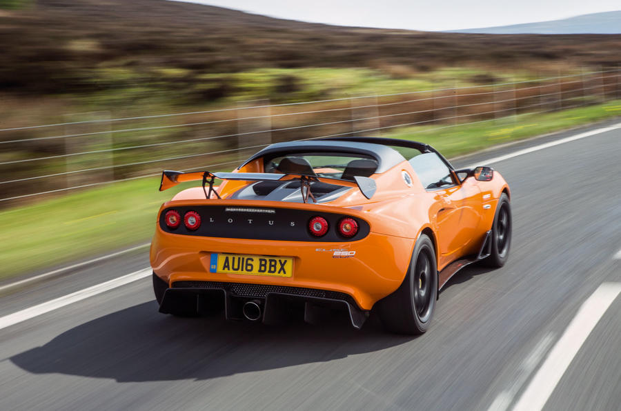 https://www.autocar.co.uk/sites/autocar.co.uk/files/styles/gallery_slide/public/lotus-elise-250cup-road-test-2016-363.jpg?itok=v6sxytE1