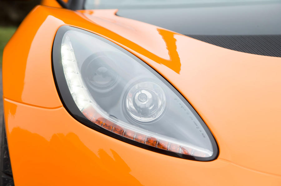 Lotus Elise Cup 250 headlight