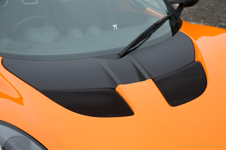 Lotus Elise Cup 250 bonnet vents