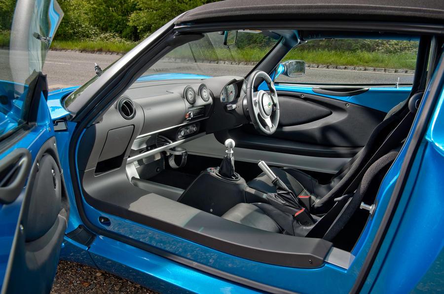 Lotus Elise interior