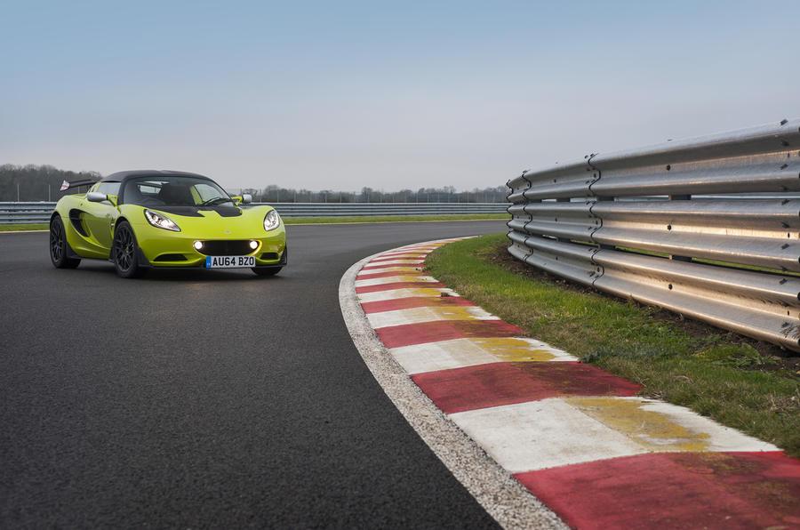 Lotus Elise S Cup cornering