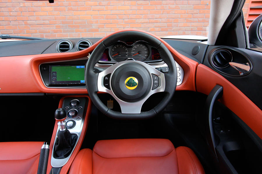 Lotus Evora dashboard