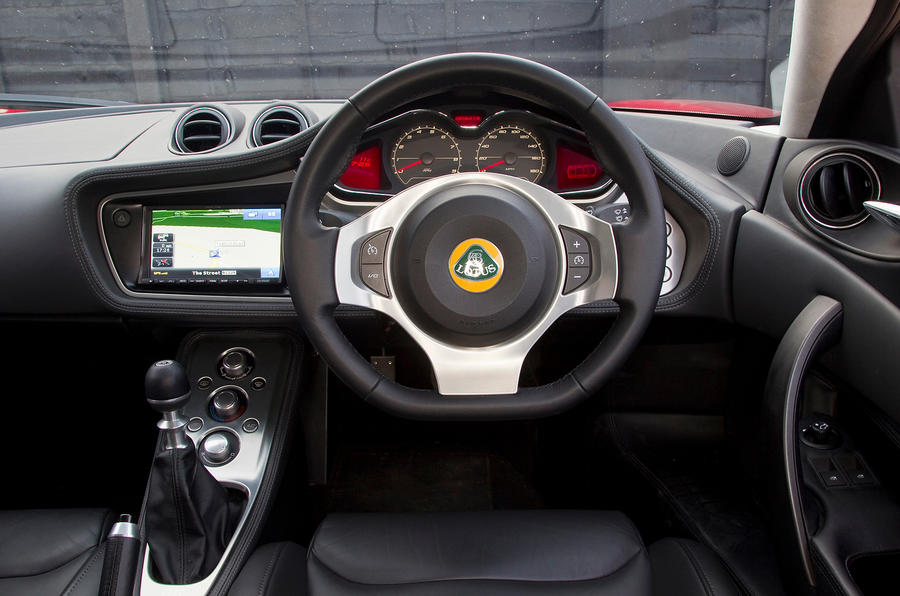 Lotus Evora S dashboard