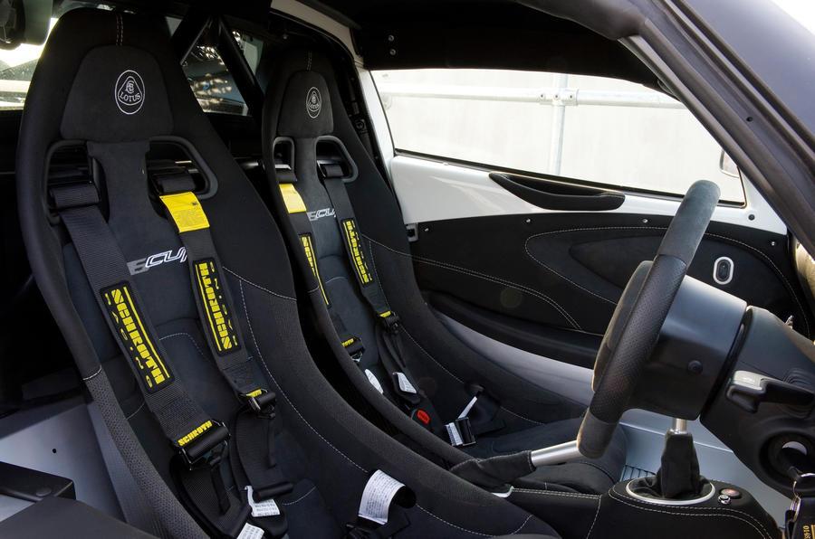Lotus Exige V6 Cup racing seats
