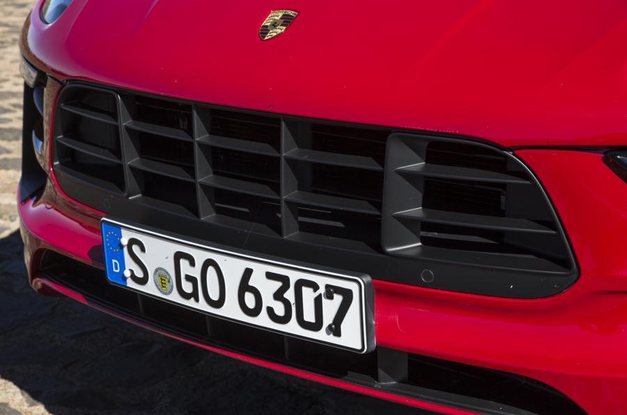 Porsche Macan GTS air intake