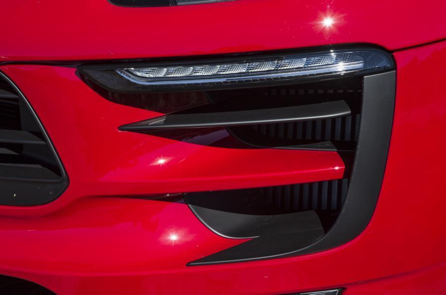 Porsche Macan GTS side vents
