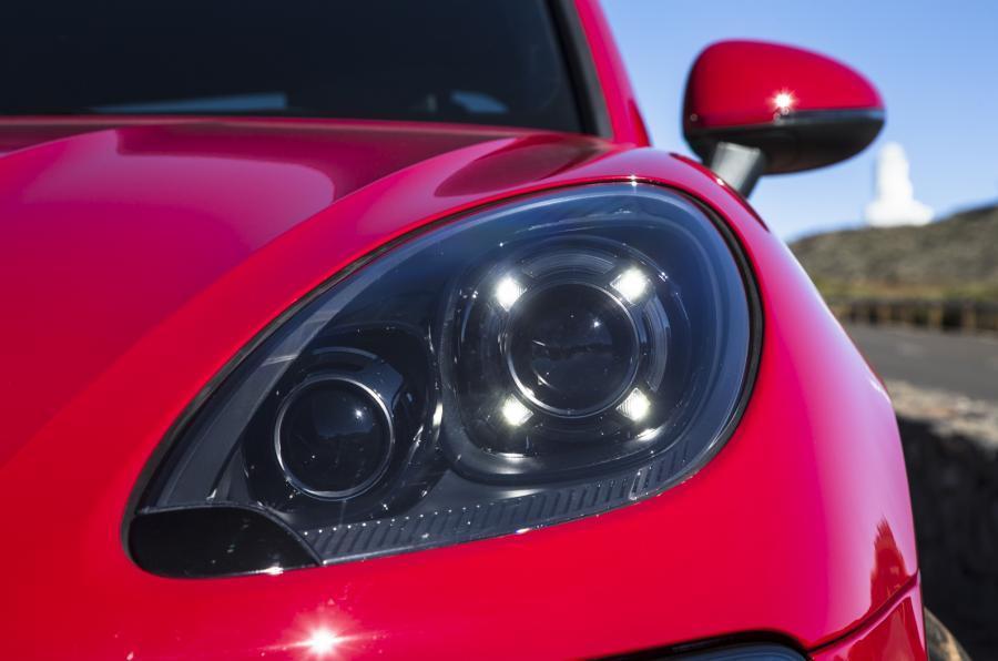 Porsche Macan GTS headlights