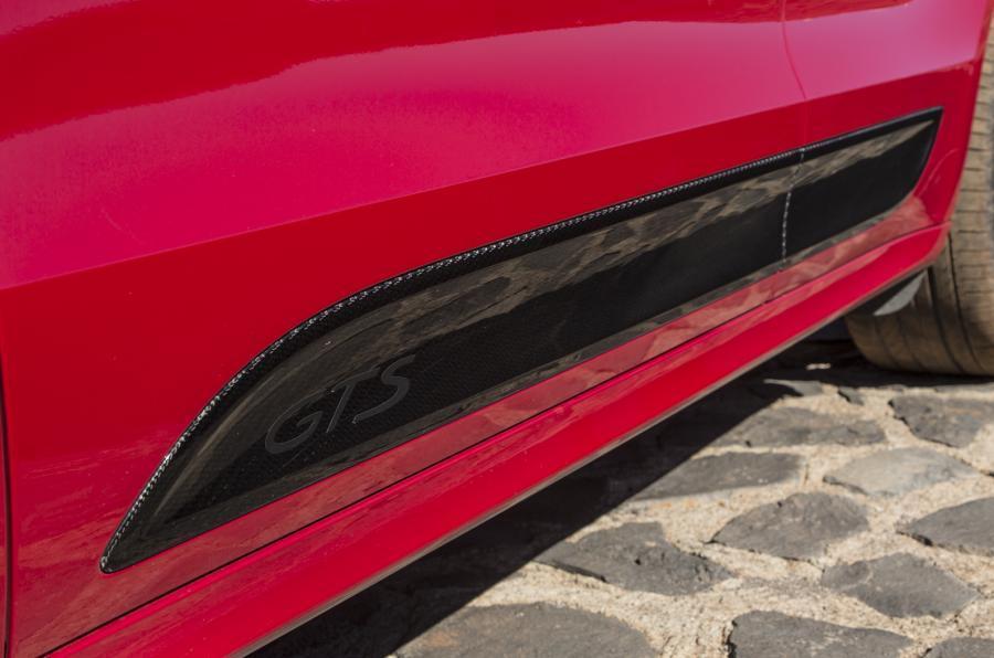 Porsche Macan GTS side skirts