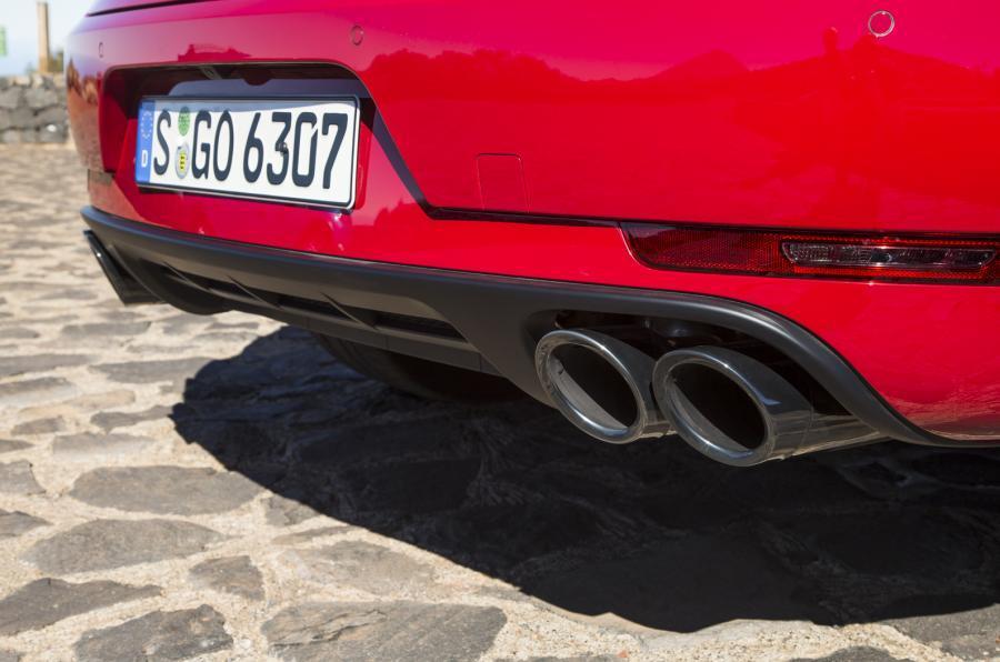 Porsche Macan GTS quad exhaust