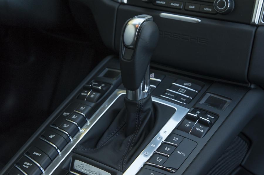 Porsche Macan GTS Tiptronic box