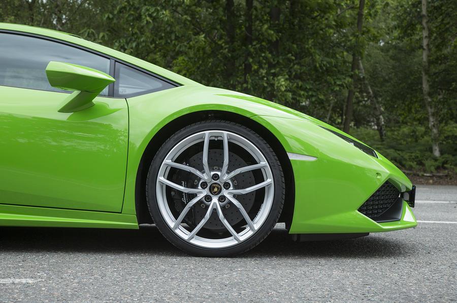 Lamborghini Huracán alloy wheel