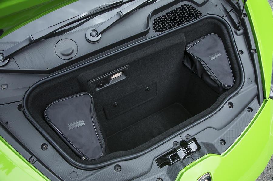 Lamborghini Huracán boot space
