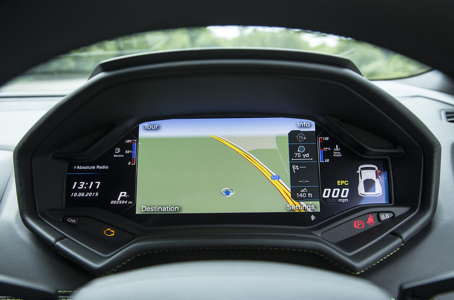 Lamborghini Huracán virtual cockpit screen