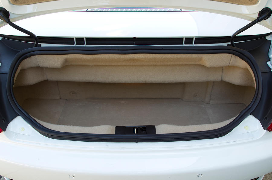 Maserati GranCabrio boot space
