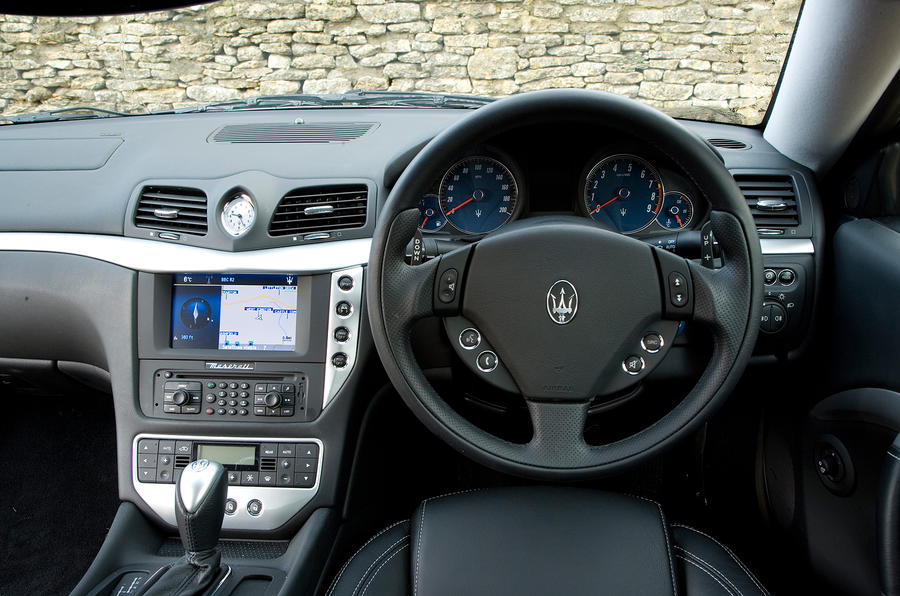 Maserati granturismo interior autocar for Maserati granturismo s interieur