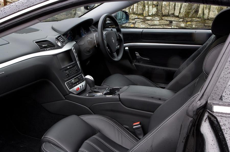 Maserati granturismo review autocar for Maserati granturismo s interieur