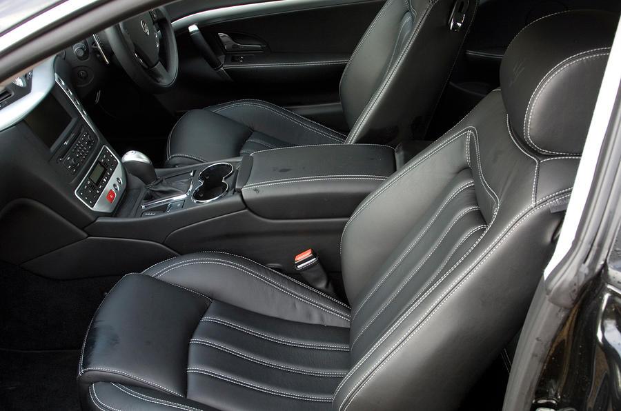 Maserati GranTurismo front seats