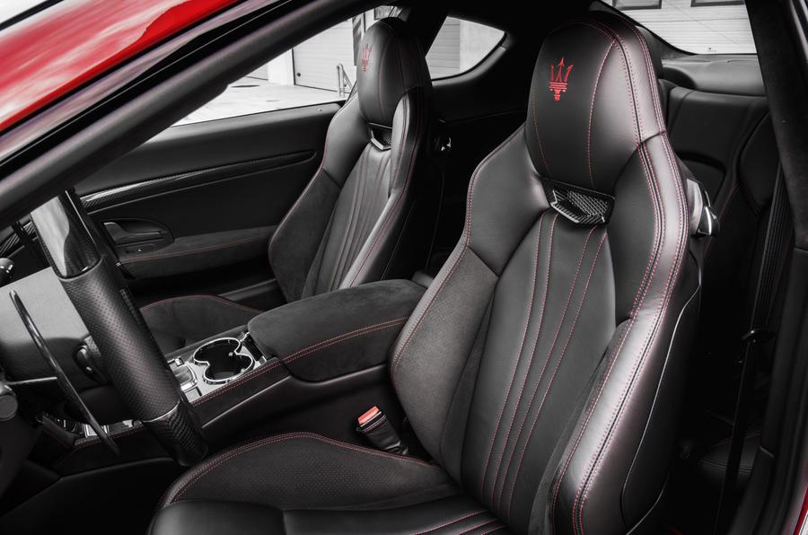 Maserati granturismo review 2017 autocar for Maserati granturismo s interieur