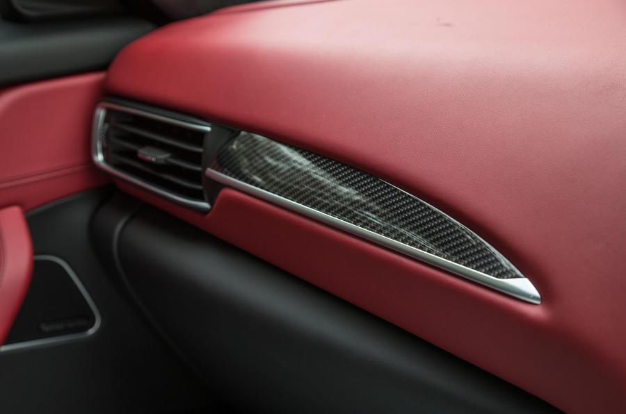 Maserati Levante carbonfibre inlays