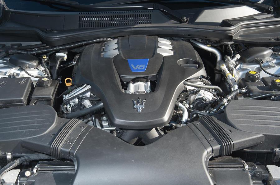 3.0-litre V6 Maserati Quattroporte S engine