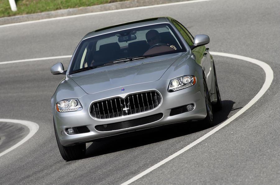 Maserati Quattroporte cornering