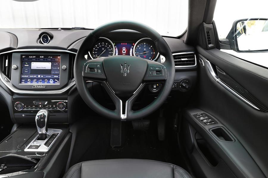 Maserati ghibli interior autocar for Maserati granturismo s interieur