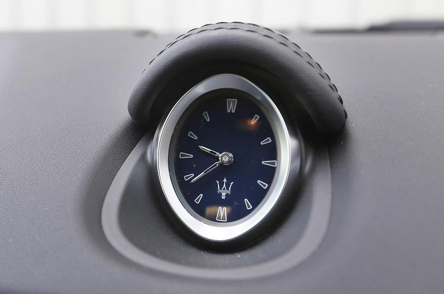 Maserati Ghibli centre clock